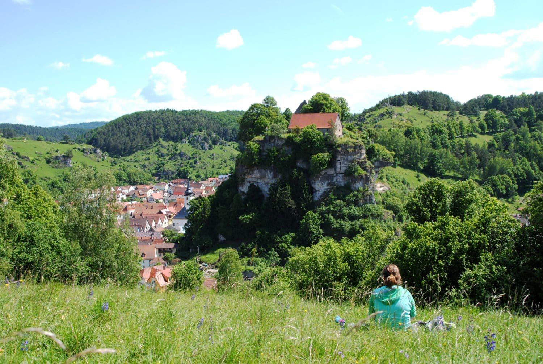 Pottenstein: stadje, rots en burcht in één blik