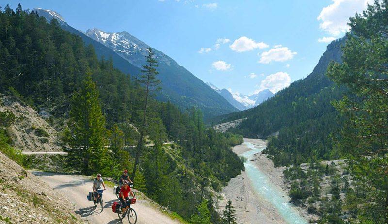 We volgen de Isar-Fietsroute van de Alpen tot aan de Donau