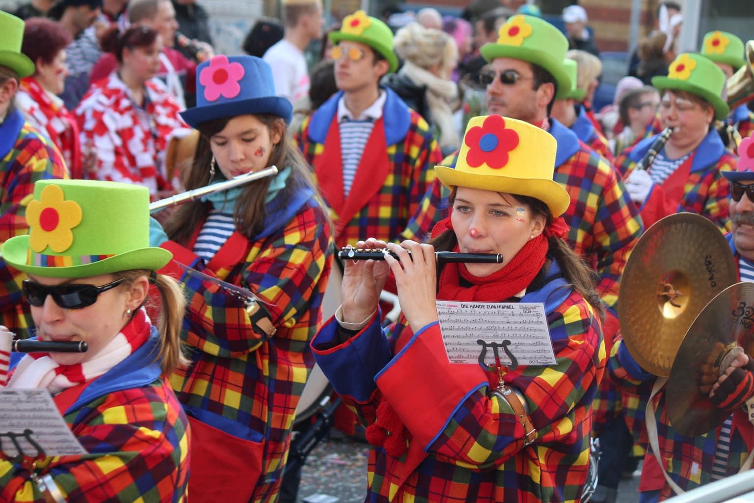 Muziek bij de optocht in Keulen