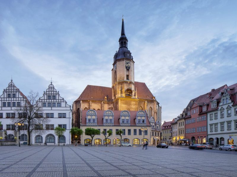 Centrale plein in Naumburg an der Saale met vakwerkhuizen