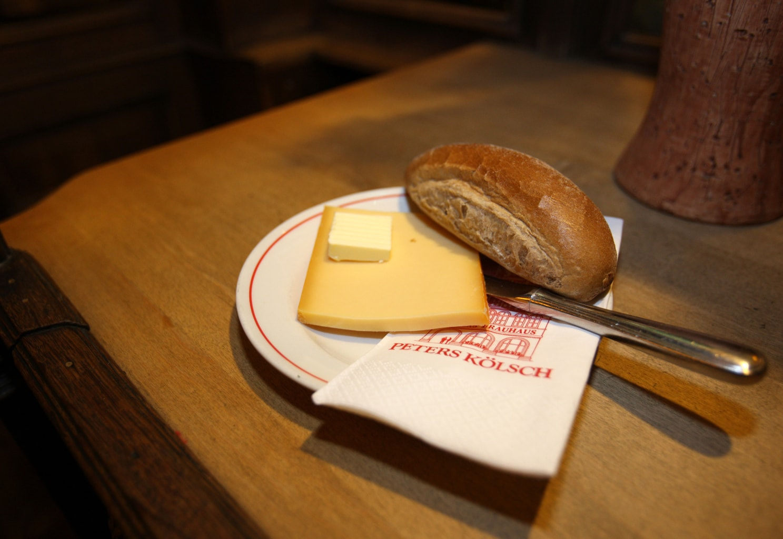 Een halve hahn in Keulen is een broodje kaas