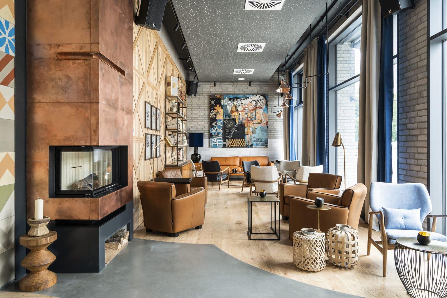 De excentrieke lobby van Hotel Freigeist in het Duitse Göttingen