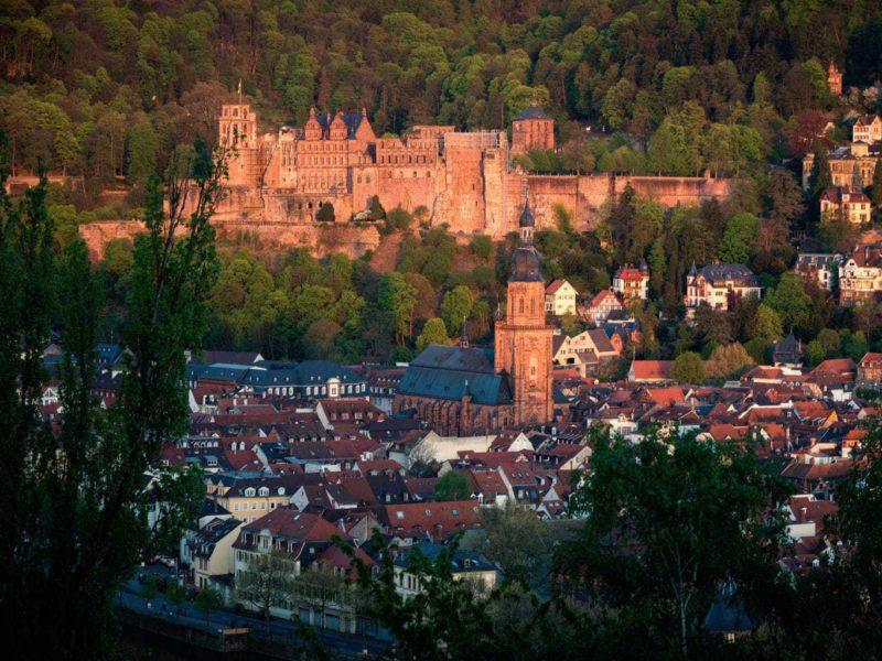 Het romantische kasteel in de Duitse stad Heidelberg