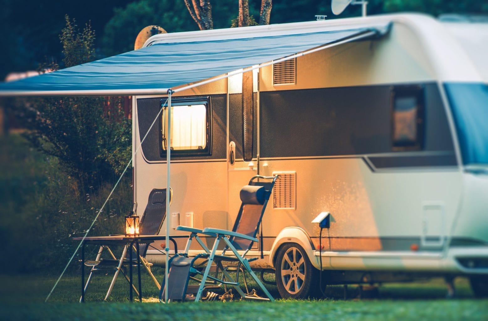 Een camper op Camping Berger in Keulen aan de Rijn