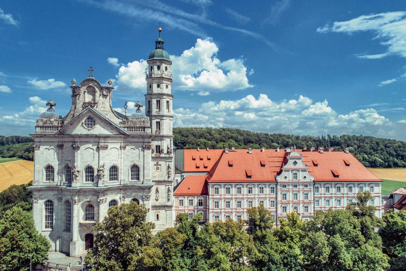Klooster Neresheim in Baden-Württemberg met schitterende klooster