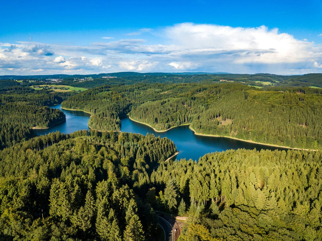 De Genkeltalsperre in het Bergische Land in NRW