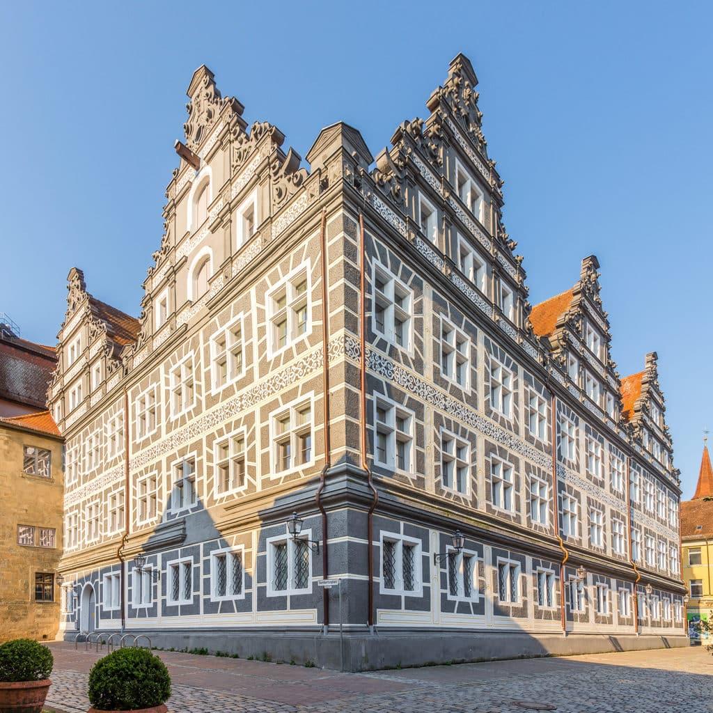 Historisch huis in de binnenstad van Ansbach in Beieren