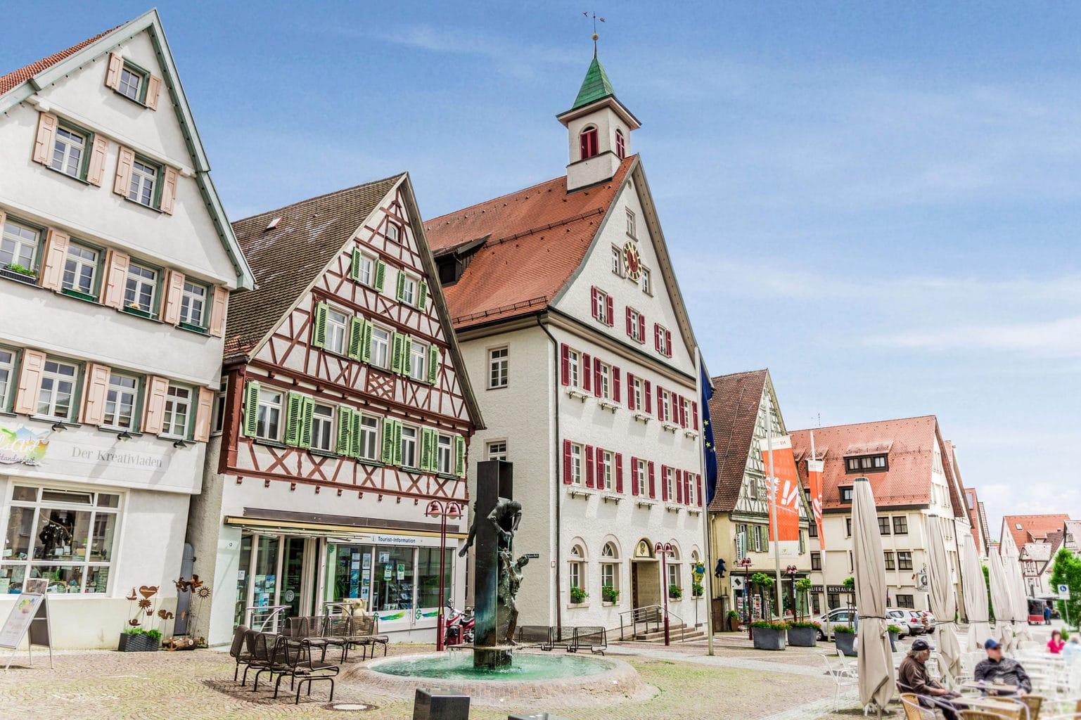 Marktplaats van Giengen met vakwerkhuizen