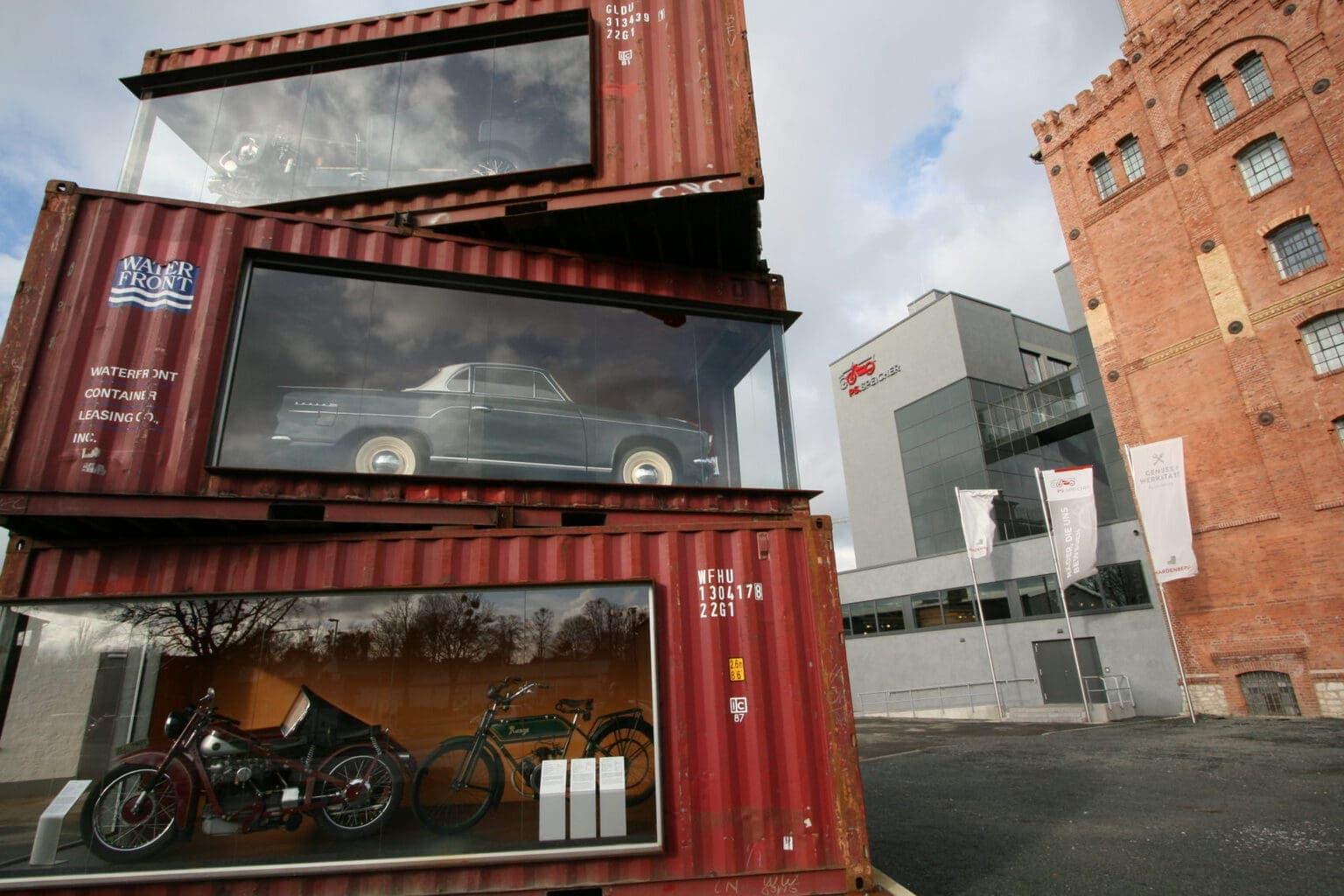 Container voor de PS Speicher, waar de reis door de geschiedenis van de auto begint