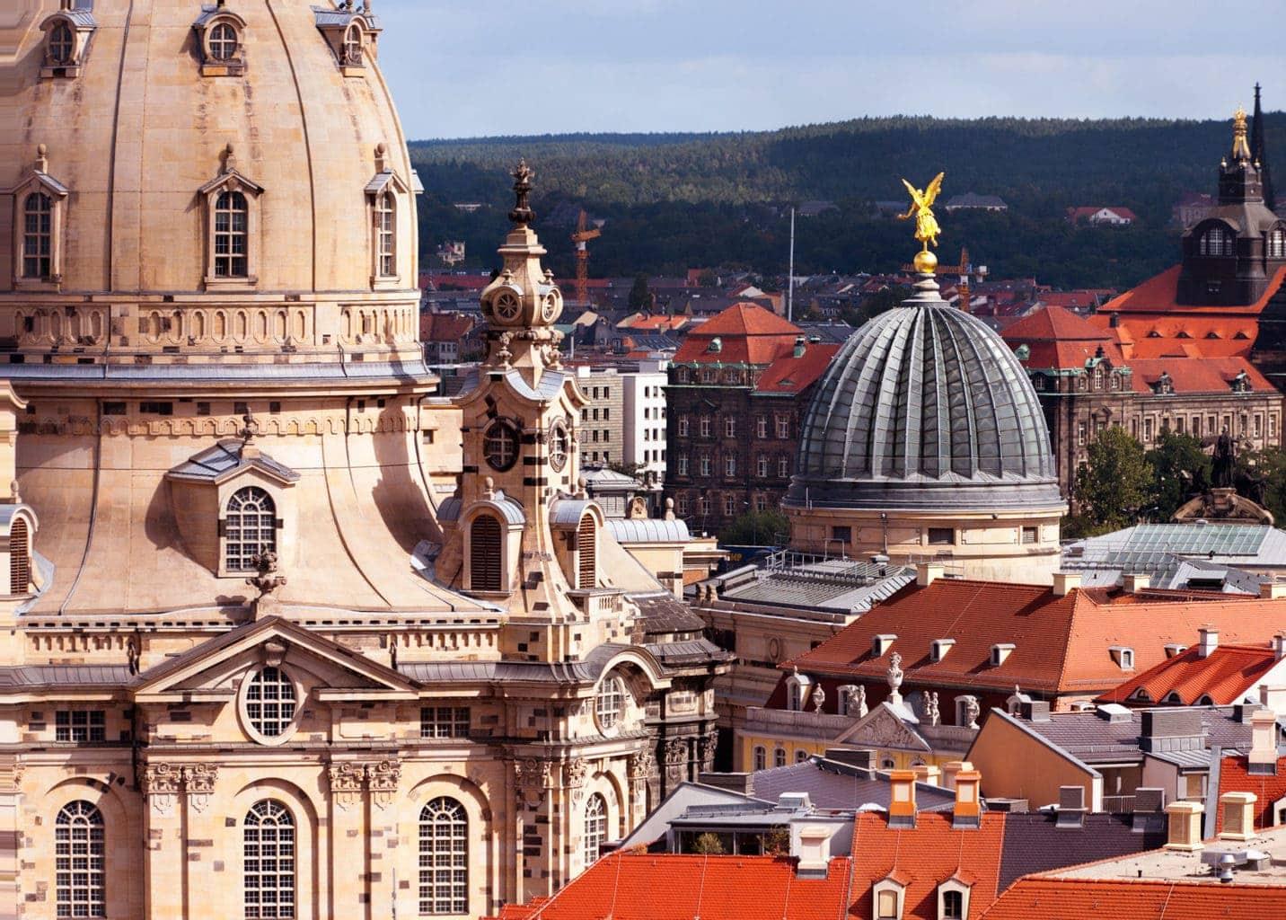 De Frauenkirche in Dresden is na de oorlog volledig weder opgebouwd