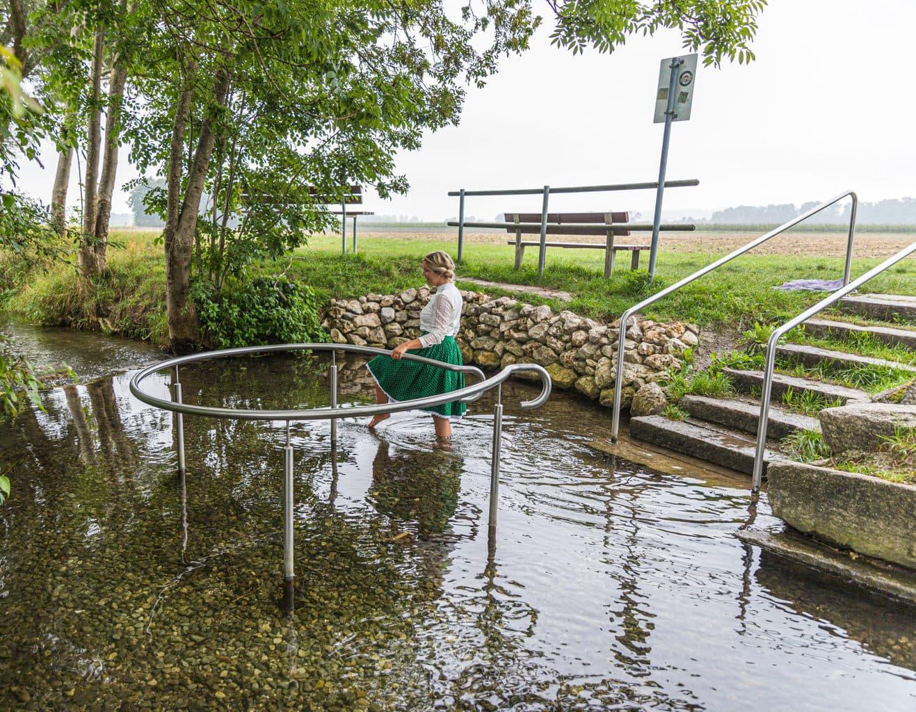 Op het fietsbad Bike en Kneipp kom je langs zes natuur kneipp baden
