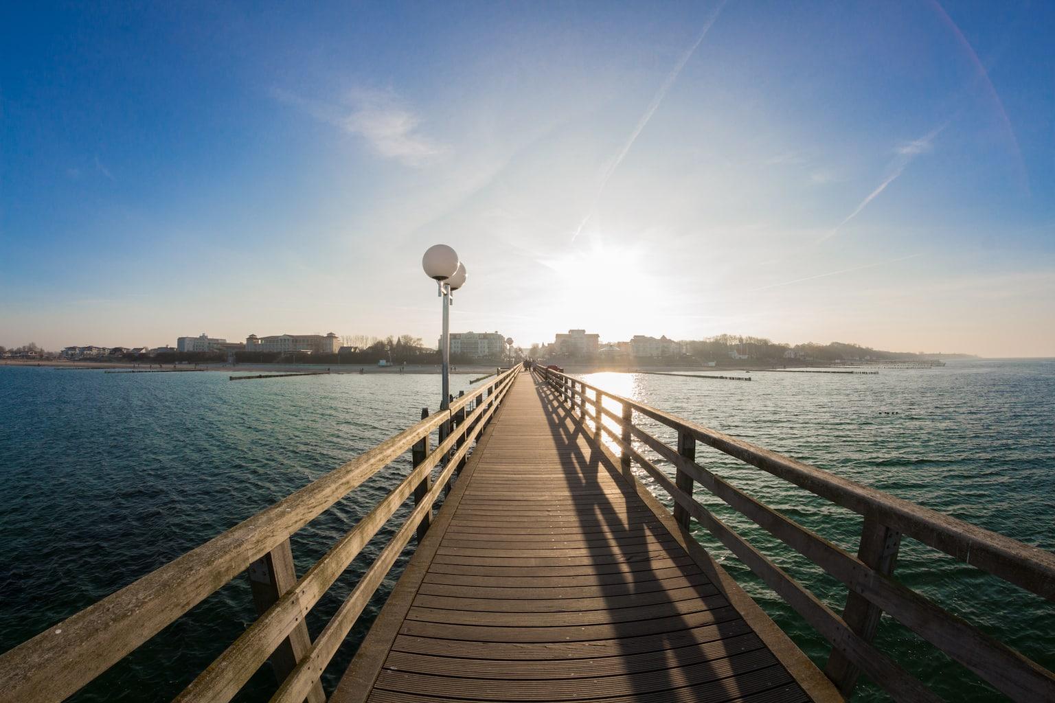 De zeebrug van Kühlungsborn an de Duitse oostzeekust