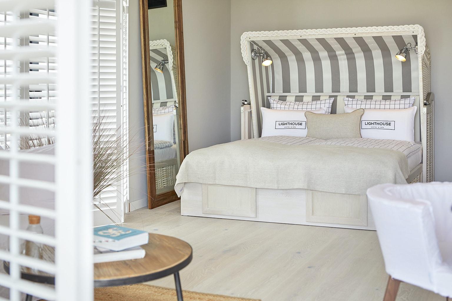 Suite in Lighthouse Hotel met bedden die er als strandkorven uitzien