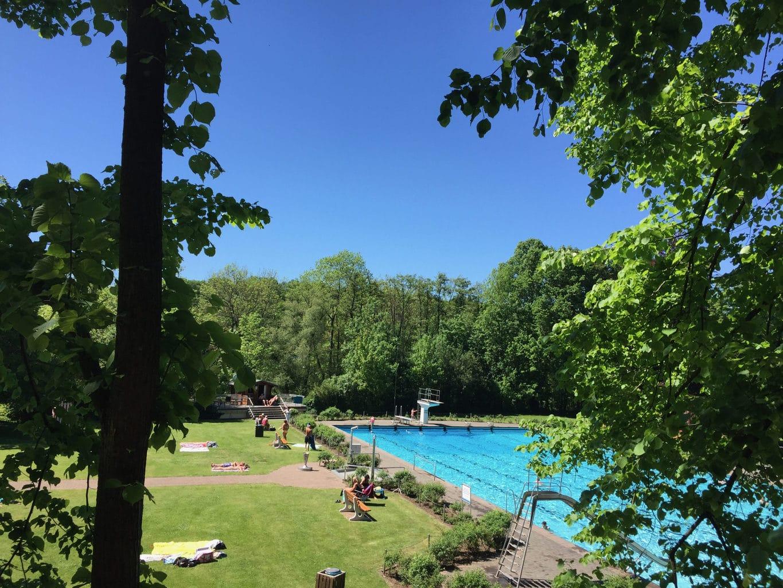 Het zwembad von Gemünd is een heerlijke plek voor een pauze