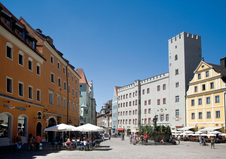 De Haidplatz is een van de mooiste plekken in de historische binnenstad van Regensburg