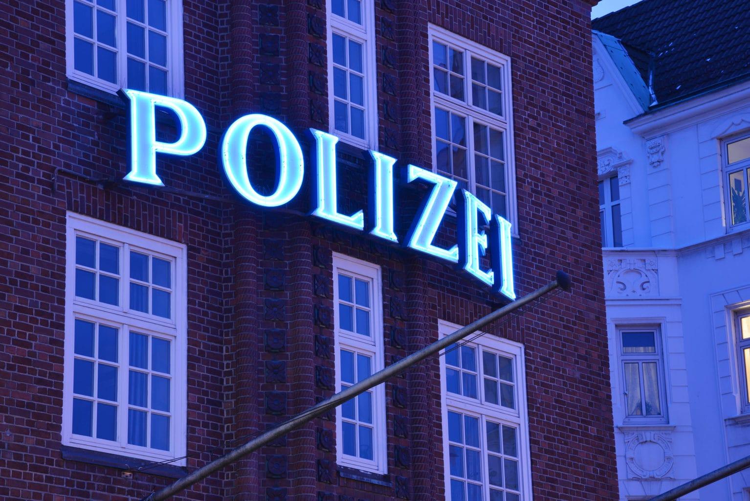 De beroemd beruchte Davidpolizeiwache op de Reeperbahn in de Duitse Stad Hamburg