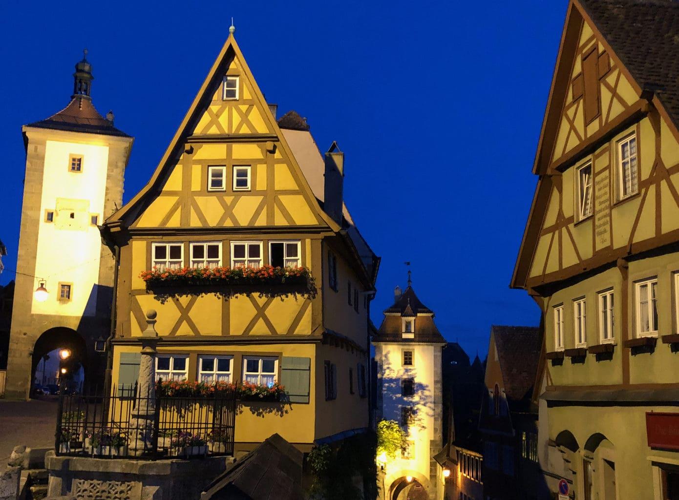Het Plönlein in Rothenburg ob der Tauber is werelberoemd en werd zelf in de Pinokkio-film van 1940 gebruikt