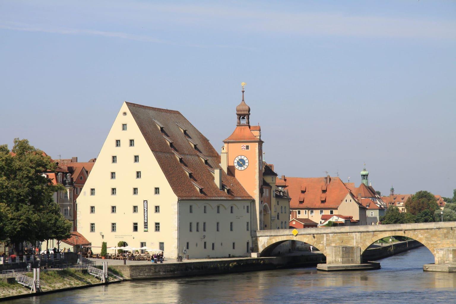 Het Salzstedel aan de Donaubank in Regensburg