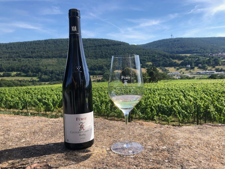 Wijnmakerei Fürst in Bürgstadt is beroemd om uijn rode wijnen, maar de Riesling mag er ook zijn