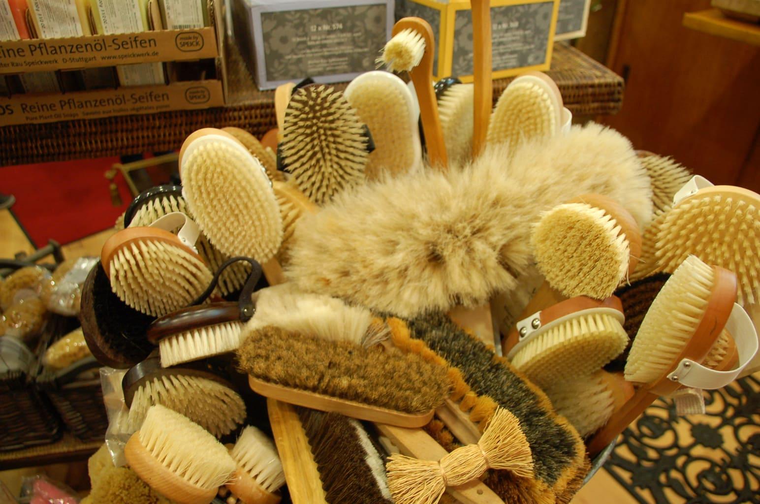 Handgemaakte borstels van de manufactuur Ernst in Regensburg