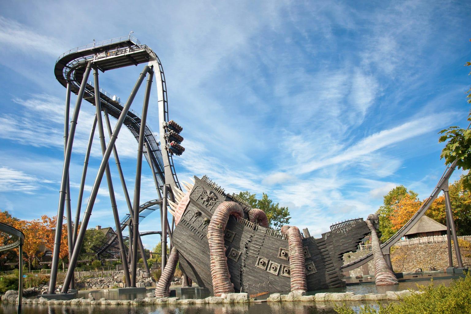 Pretparken in Duitsland zijn beroemd voor hun achtbanen in dit geval de kraak in Heidepark in Soltau
