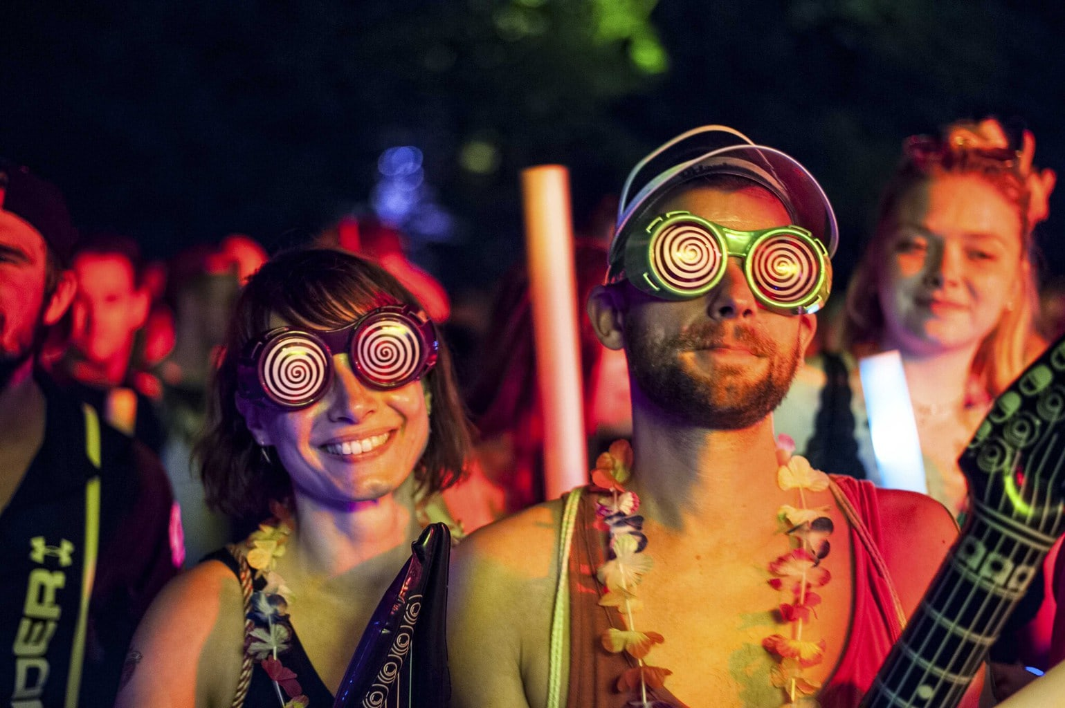 Festivalgangers op het popfestival Juicy Beats in Dortmund