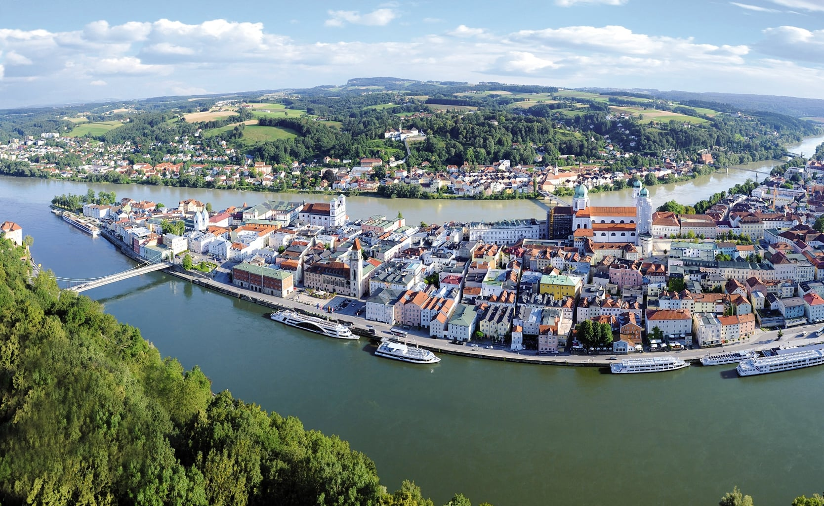 Panarama van de Beierse stad Passau vanuit de lucht