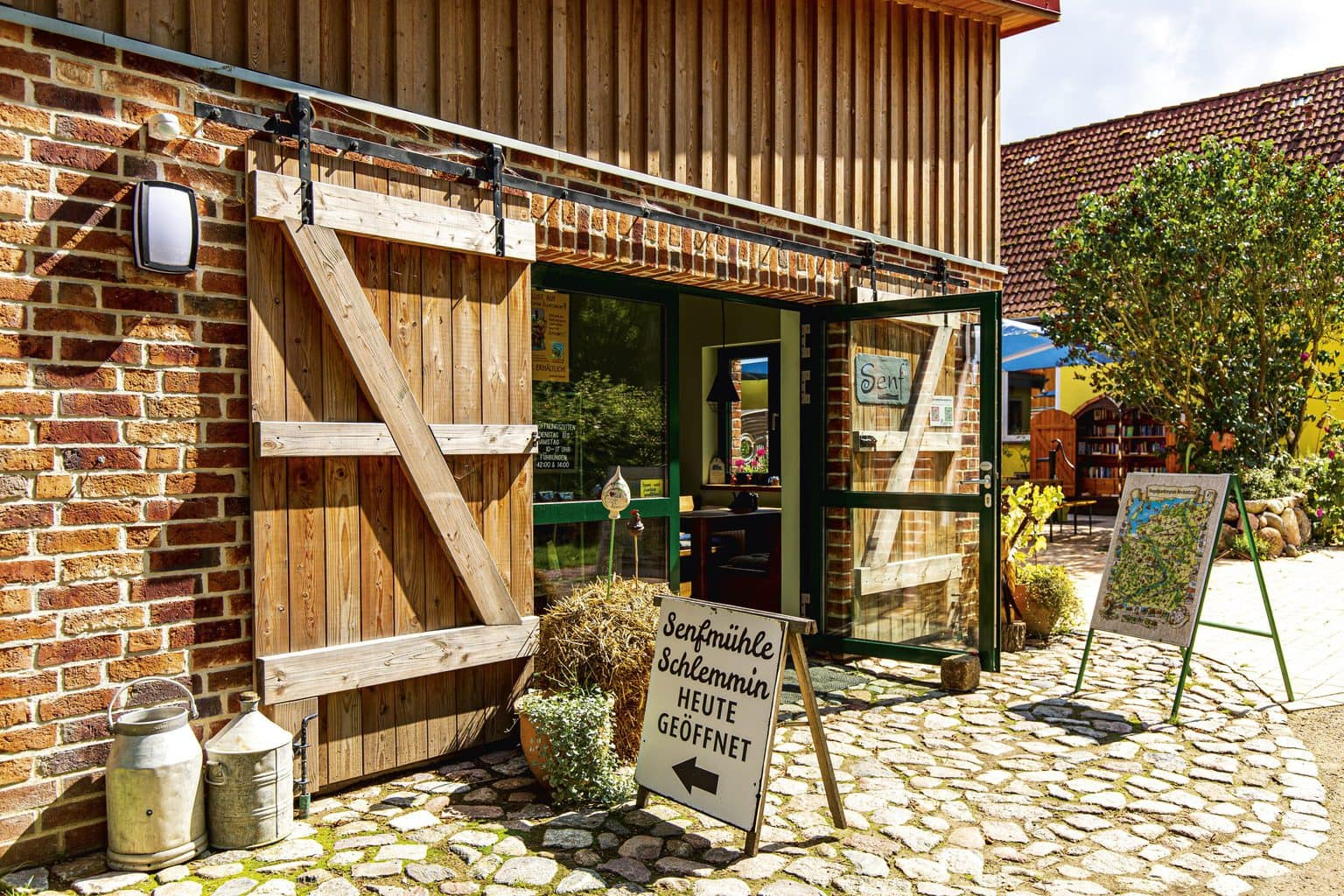 De boerderijwinkel van de Senfmühle Schlemmin