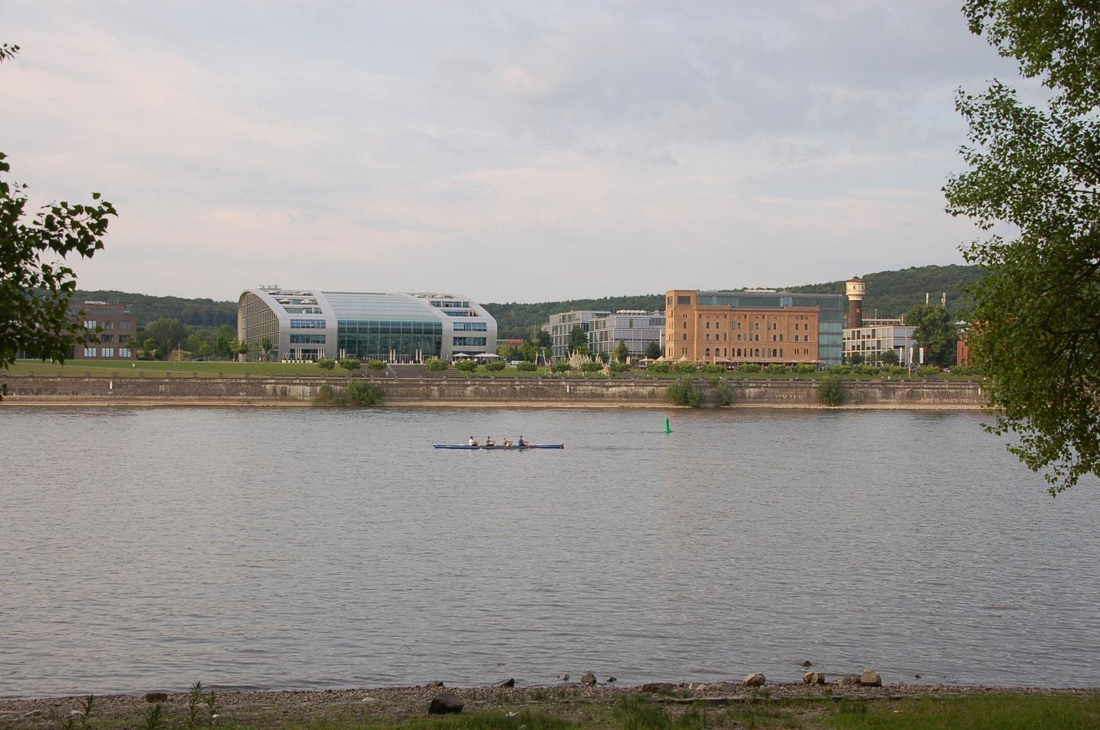 Uitstapje 48 uur in Bonn aan de Rheinbogen met roeiboten