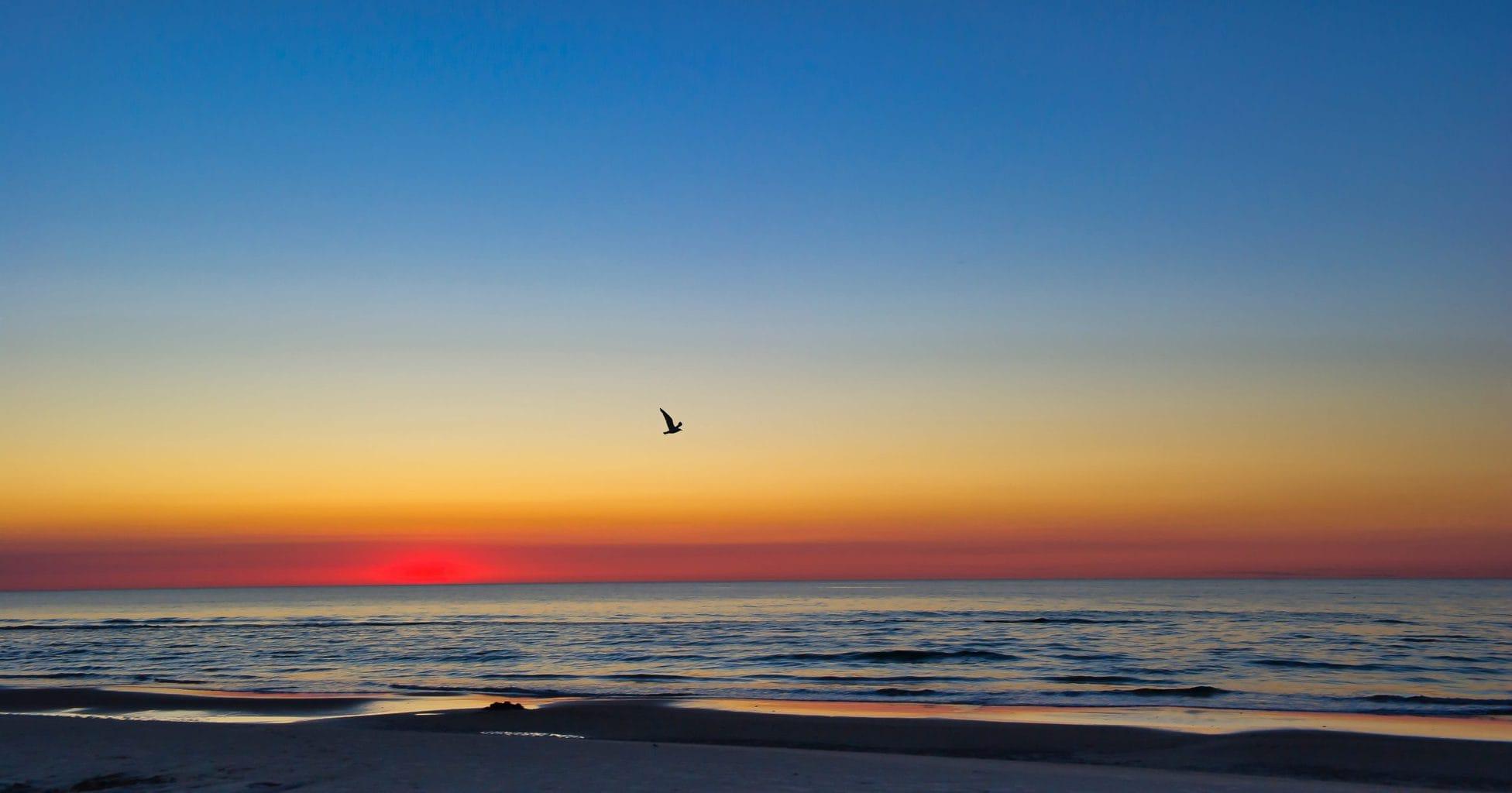 Zonsondergang aan de Duitse Noordzeekust
