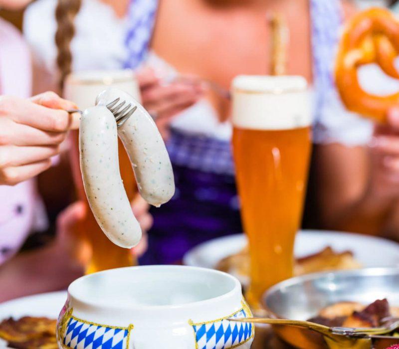 Zo hoort het: Een paar Weißwürste met een lekker Weizenbier