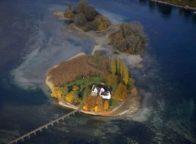 Het eiland Werd bij Stein am Rhein in Duitsland vanuit de lucht