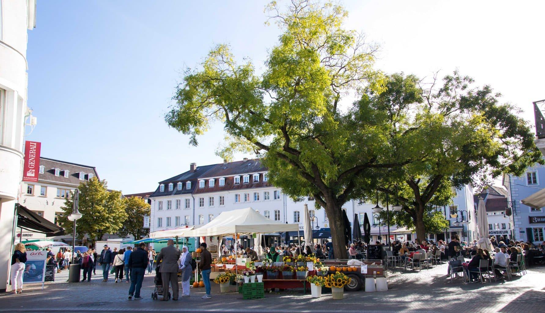 De St. Johannermarkt in Saarbrücken is ook bij fietsers populair