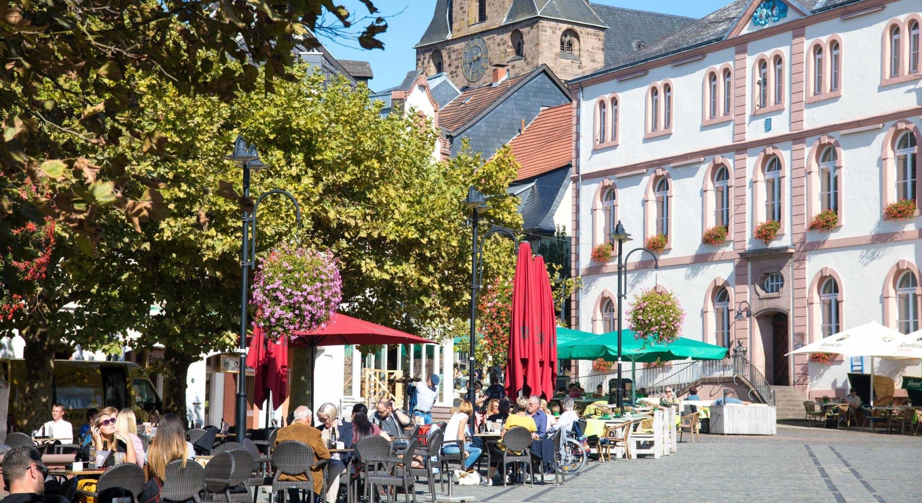 De oude stad van Sankt Wendel is leuk voor een pause tijdens het fietsen door het Saarland