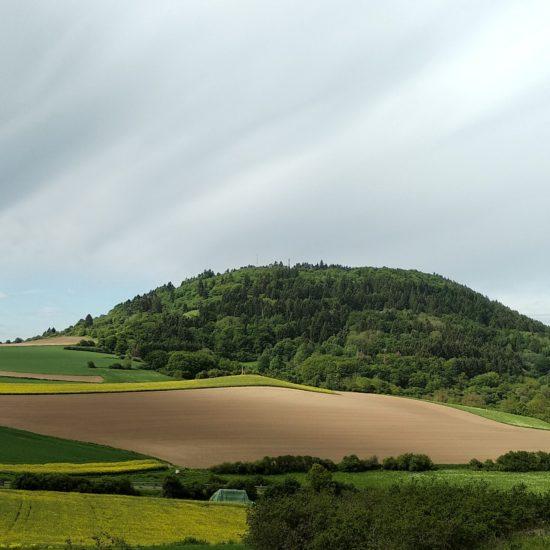 Heuvels in de Eifel in de buurt van Blankenburg behoren ook tot de uitstapjes rondom Keulen