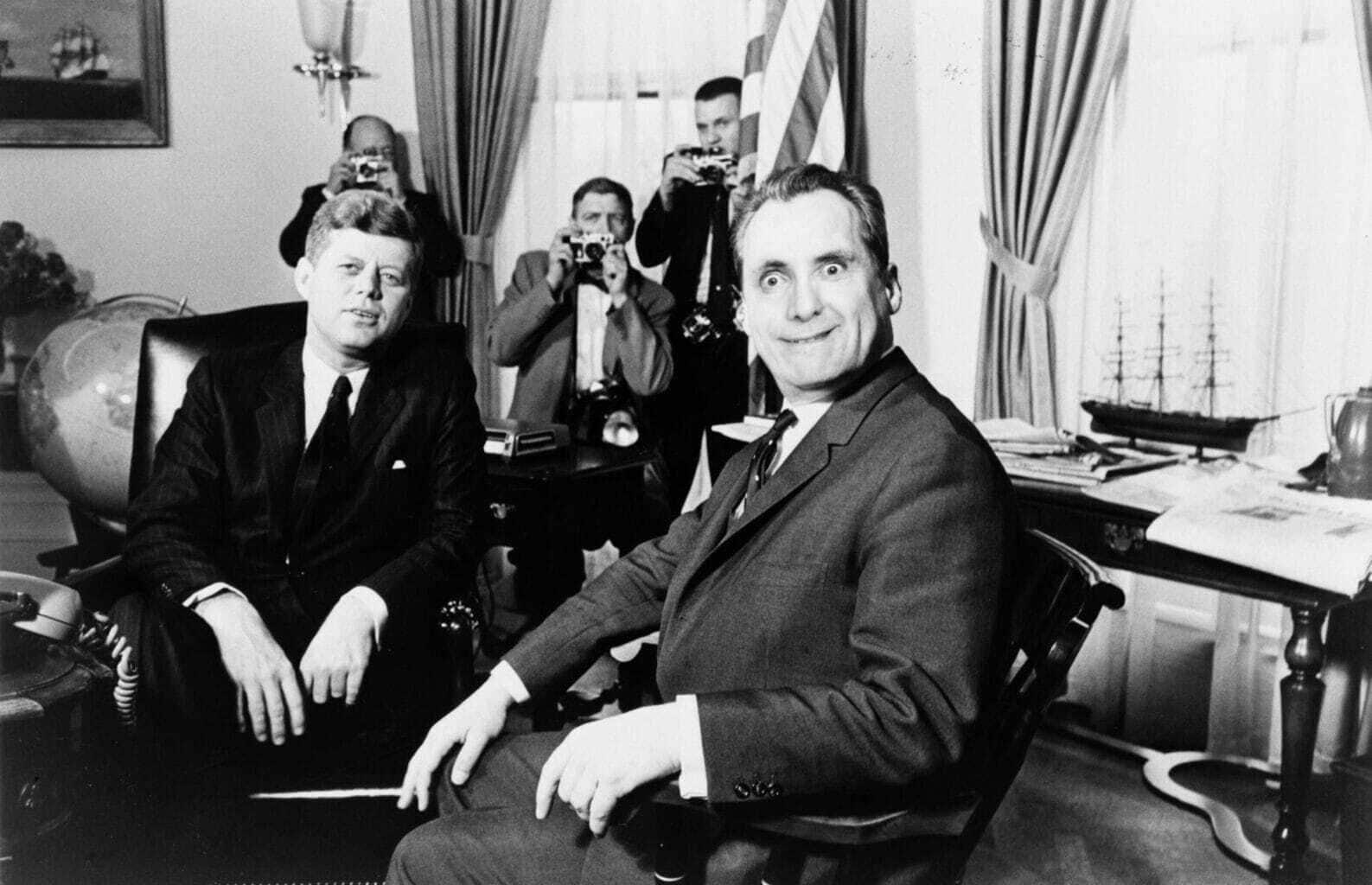 De Amerikaanse President John F. Kennedy in Berlijn op bezoek in her Stadthuis met journalisten