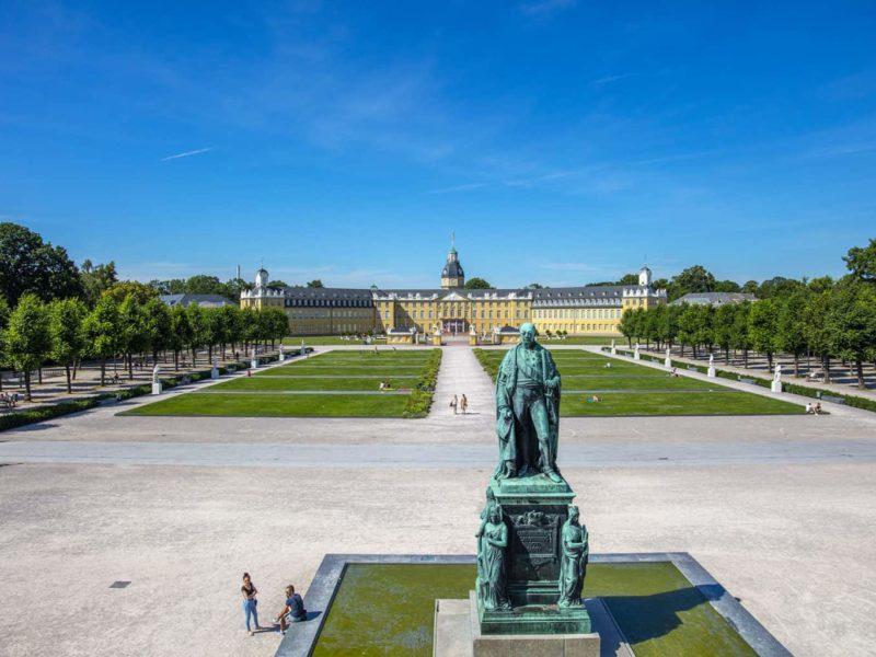 Het kasteel van Karlsruhe is prachtig