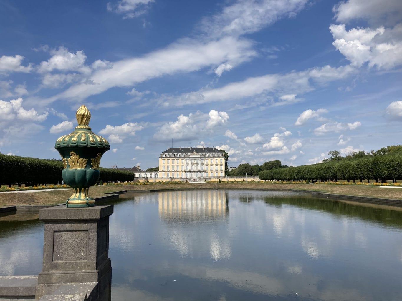 Schloss Brühl is een populaire bestemming voor uitstapjes rondom Keulen