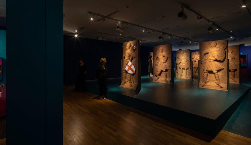 Tentoonstelling Landesmuseum Mainz De Keizers en de zuilen van hun macht standbeelden wapens