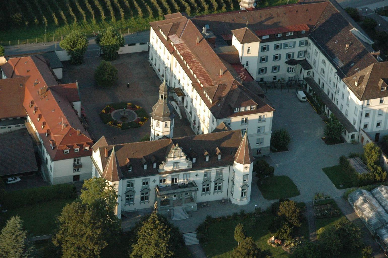 Klooster Hegne vlak bij het eiland Reichenau aan de Bodensee in Duitsland