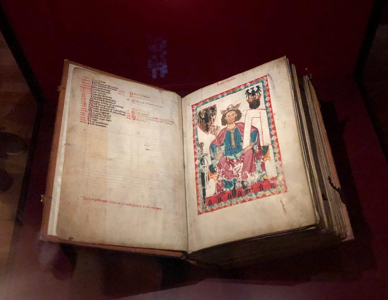 Middeleeuws handschrift uit Heidelberg in het Landesmuseum van Mainz