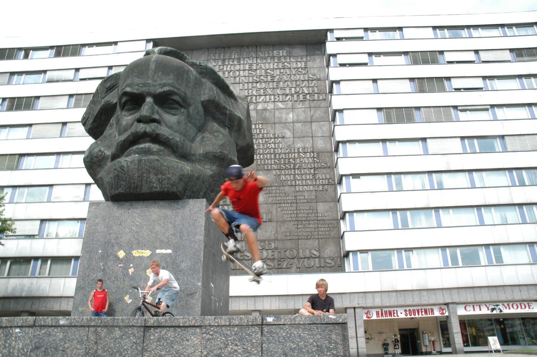 Het unieke monument van Karl Marx in de Oostduitse stad Chemnitz