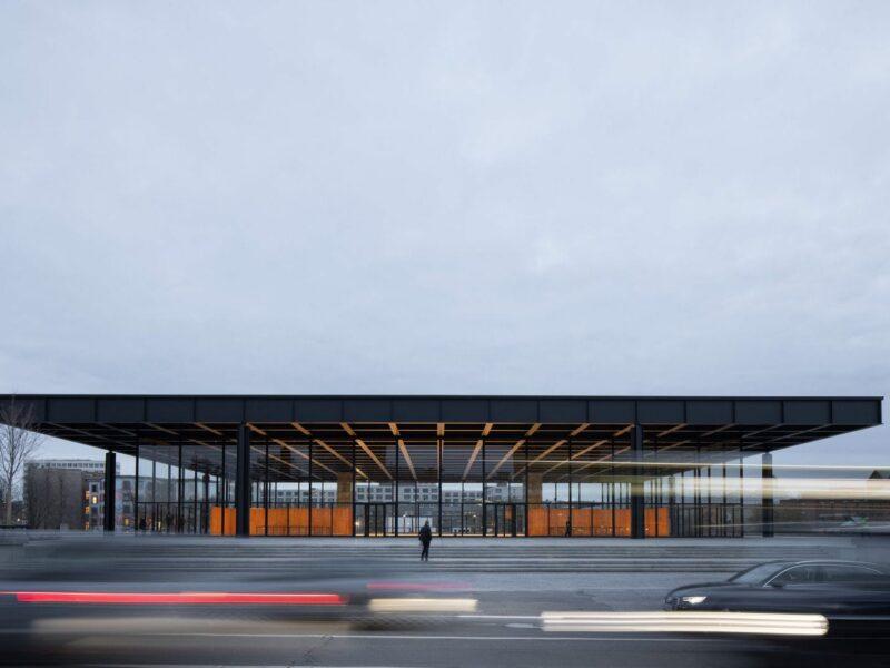 De Neue Nationalgalerie in Berlijn van buiten
