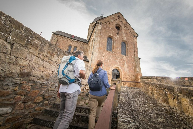 Wandelaars op de Hildegard von Bingen pelgrimsweg
