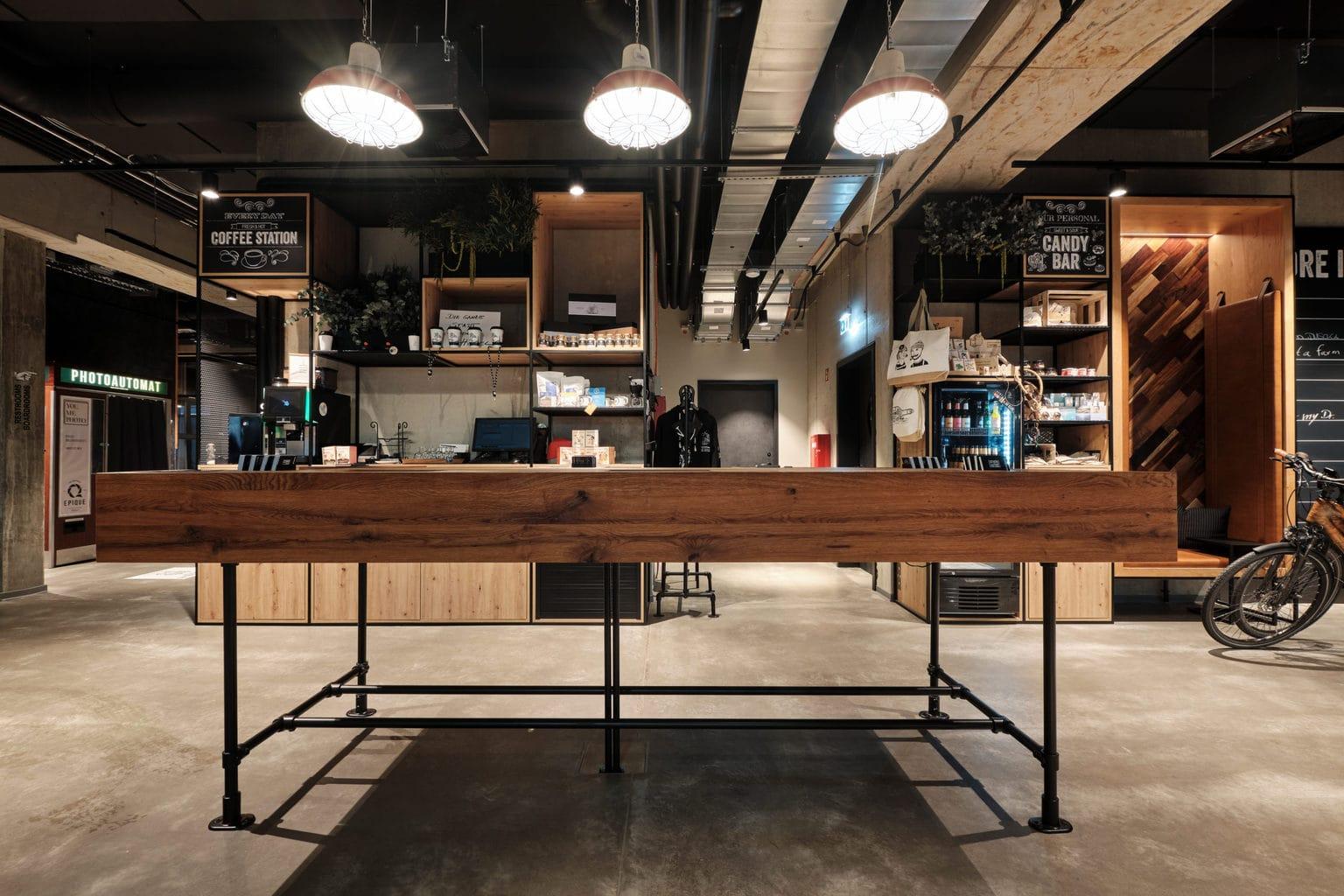 Bar met tafel in Kiel