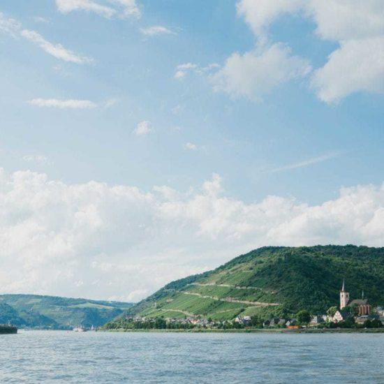 Het zevengebergte met de Rijn in het zuiden van Noordrijn-Westfalen