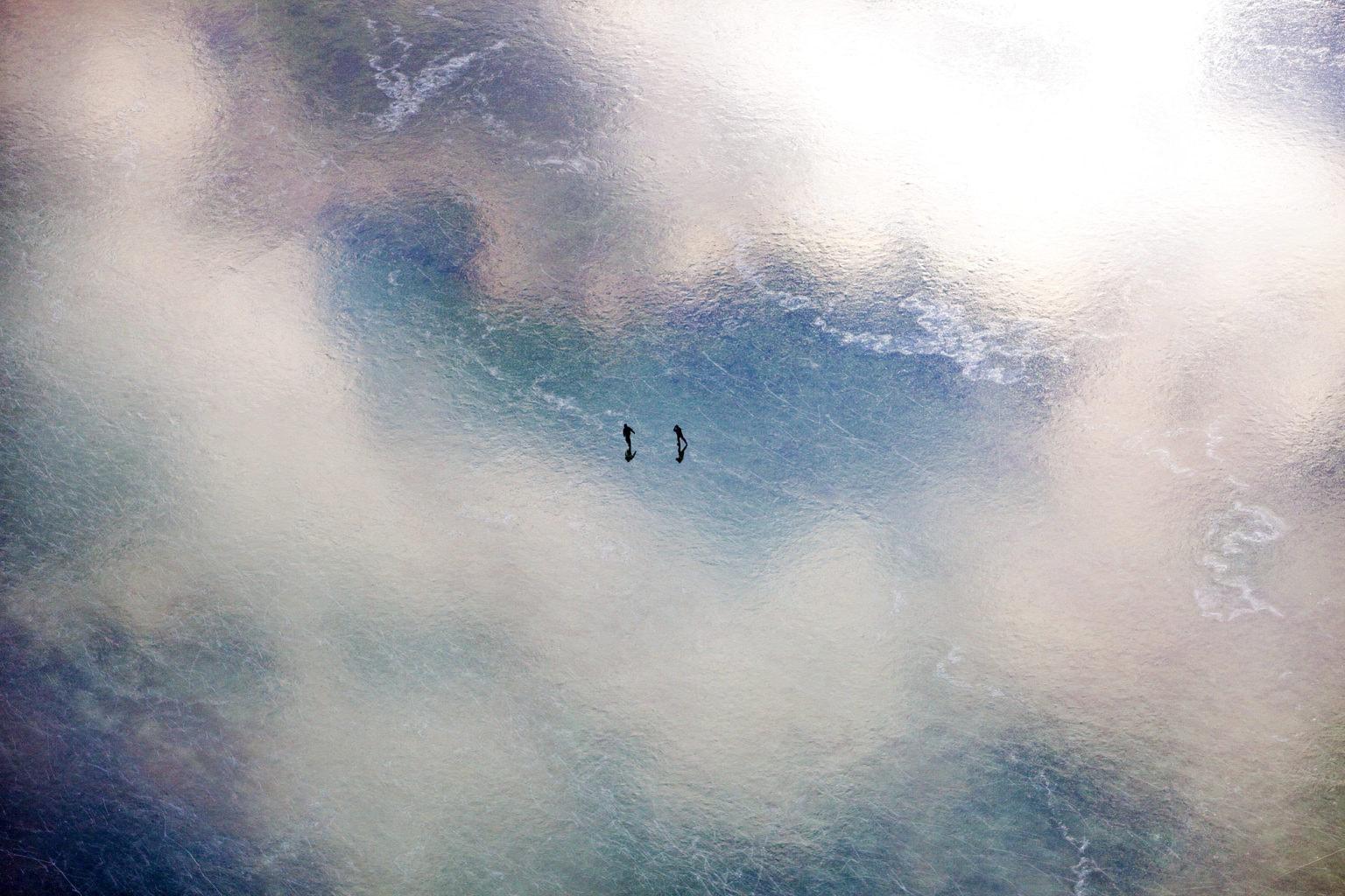 Schaatsers op de Gnadensee in het Zwarte Woud