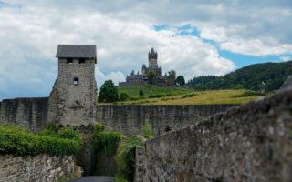De Rijksburcht Cochem vanuit het bovenste gedeelte van het stadje