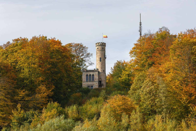De Tillyschanze is een toren in de buurt van Hannoversch Münden in Nedersaksen