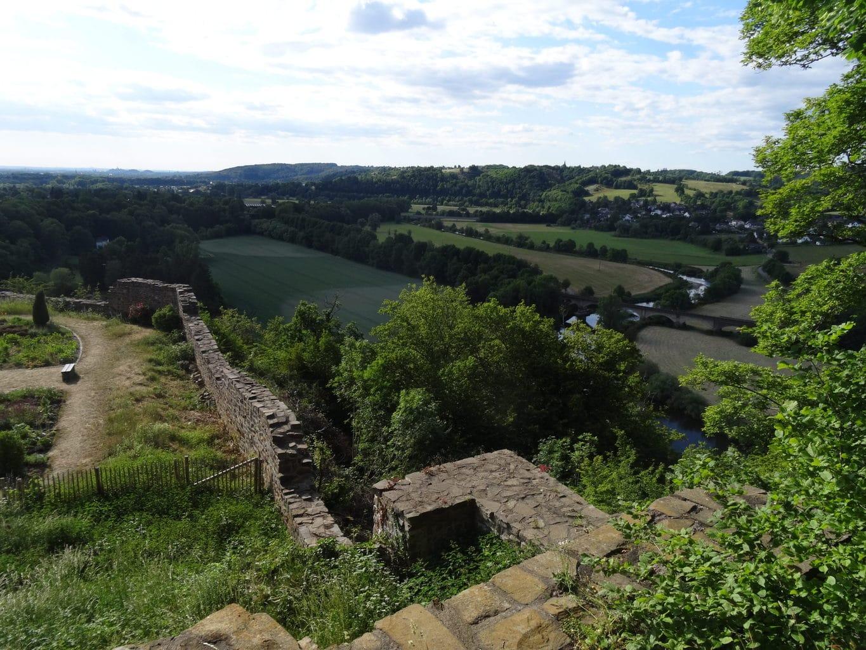Uitzicht van Stadt Blankenberg op het dal van de Sieg